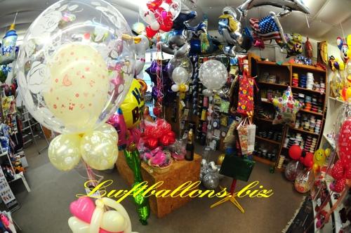 Bild. Dekorierte Bubbles, Latex- und Folien-Luftballons, Zierbänder und Geschenktaschen im Shop