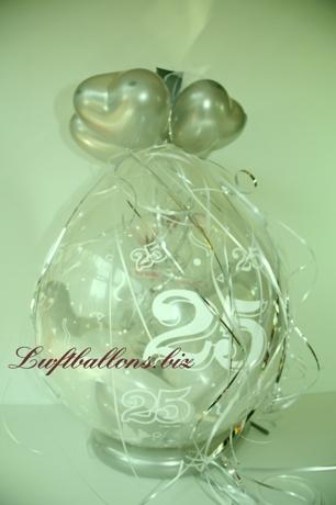 Bild. Geschenk-Luftballon mit der Zahl 25