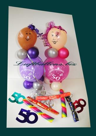 Bild. Kleine Geburtstagsmännchen Luftballons und Dekoration zum 50. Geburtstag