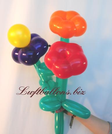 Bild. Kleiner Strauß aus Blumen-Luftballons