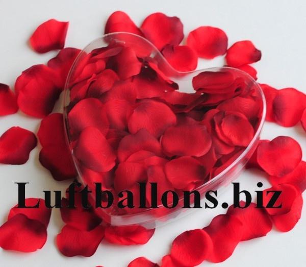 Rosenblätter in Rot, 200 Stück in dekorativer Herzbox