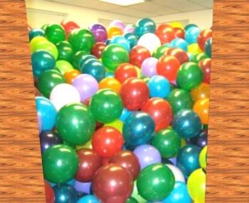 Raumbefüllung mit Luftballons