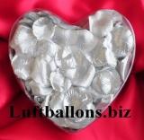Dekoration zur Hochzeit, Tischdekoration, Herzbox mit 200 Rosenblättern in Silber